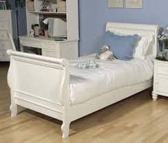White Sleigh Bed Classic Summer Sleigh Bed
