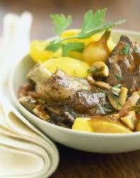 cuisiner du coq coq au vin recette plat traditionnel français les plats