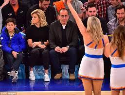 Jerry Seinfeld Halloween Costume Jerry Seinfeld Enjoys Knicks Game Wife Jessica