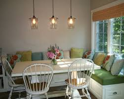 25 Space Savvy Banquettes With Soft Seat Cushions And Throw Pillows Add Comfort So The Banquette