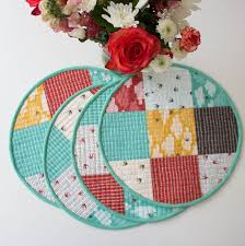 Placemats For Round Table Sewing Circular Quilted Placemats Tutorial Imagine Gnats