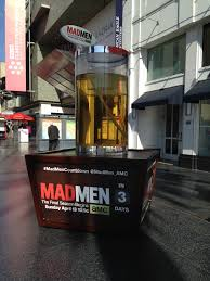 Giant Cocktail Glass For Mad Men Season 7 Countdown Gute Werbung