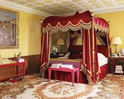 Gold Canopy Bed 19 Beautiful Canopy Beds That Will Create A Majestic Ambiance To