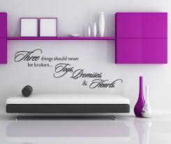 wandsprüche wohnzimmer wandaufkleber wandspruch in englisch wandsticker spruch three things