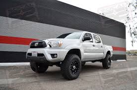 toyota tacoma 285 75r16 2005 current tacoma 4wd pre runner 0 3 lift system stage 4