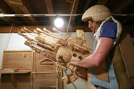 wooden sci fi sculptures make great wired