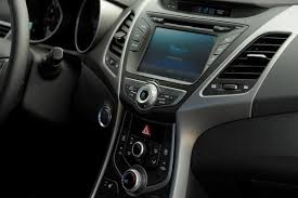 Hyundai Elentra Interior 2013 Vs 2014 Hyundai Elantra What U0027s The Difference Autotrader