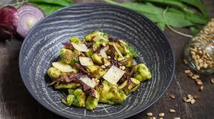 cuisiner l ail käseknepfle gnocchis alsaciens au fromage blanc au pesto d ail des