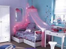chambre d une fille une chambre de fille bleue par carnet deco