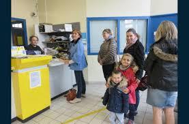 bureau de poste ouvert samedi loire mobilisation à le puy pour l ouverture de la