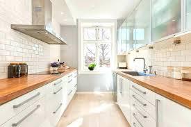 cuisine plan de travail bois massif cuisine blanc laqu et bois fabulous cuisine blanc laque avec ilot