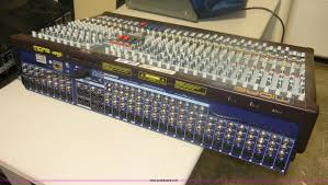Midas 32 Midas Venice 320 32 Channel Compact Mixing Console With Cove