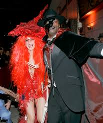 red witch halloween costume heidi klum clones herself in epic halloween costume u2014 see the pics