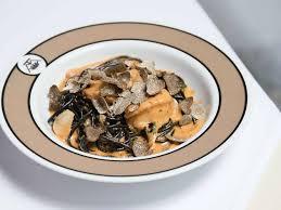 la cuisine de la maison de la truffe restaurants in ทองหล อ กร งเทพฯ