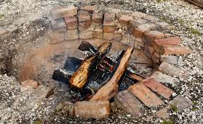 How To Make A Fire Pit With Bricks - cheap and warm outdoor chimney style fire pit
