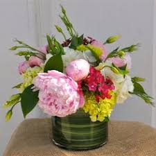 monthly flower delivery monthly flower delivery 12 months of blooms gardener s supply