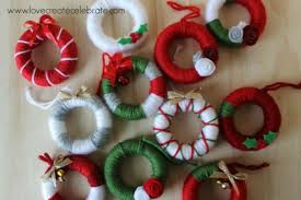 yarn wreath favors clean and scentsible