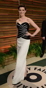 Anne Hathaway Vanity Fair Anne Hathaway Presents At The Oscars 2014 Lainey Gossip