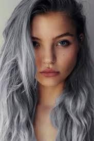 cabello gris azulado chica blanca ojos bonitos todo pinterest
