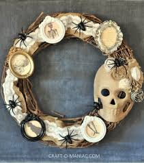 diy halloween vintage frames wreath