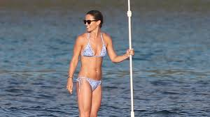 pippa middleton shows off her super toned bod while paddleboarding
