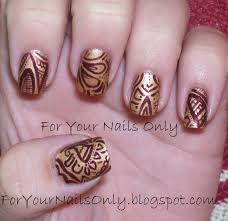 classy gold maroon patterned nail design ideas with sparkling