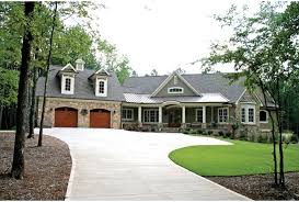 4 bedroom craftsman house plans eplans craftsman house plan open floor plan with suite