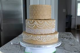 tiered wedding cakes how to transport a tiered wedding cake savored grace