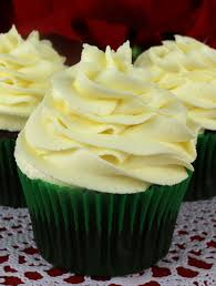 Buttercream Frosting For Decorating Cupcakes The Best Eggnog Buttercream Frosting Two Sisters Crafting