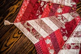 Quilted Christmas Tree Skirts To Make - star tree skirt jelly roll friendly