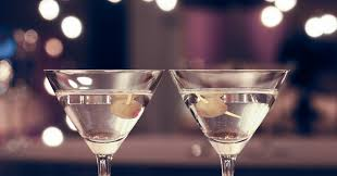 dry martini shaken not stirred how to order a martini like a total pro huffpost
