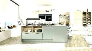 idee cuisine avec ilot cuisine acquipace avec bar grand ilot de cuisine avec bar au centre