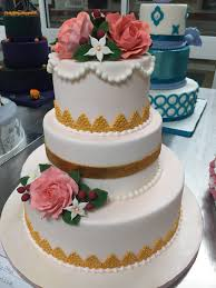 students create cake in cake decorating class jefferson