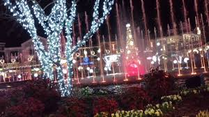 christmas light show pigeon forge tn the island in pigeon forge christmas fountain show youtube