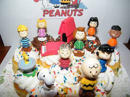 peanuts classic figure set of 13 mini cake
