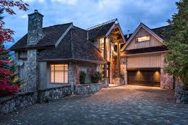 Canadian House Exclusive Community I Luxury Vacation Rental I Whistler Bc