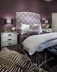 chambre violet aubergine couleurs sombres nos conseils déco peinture papier peint