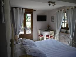 chambre d hote fleurie chambres d hôtes la griotte chambres et chambre familiale