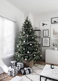Beautiful Ways To Decorate Your Home For Christmas Harmaco 10 Creative Ways To Decorate Your Christmas Tree Minimal