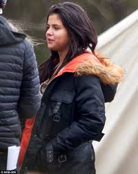 que the rapper hairstyle selena gomez looks exhausted on set of new film in dubious battle