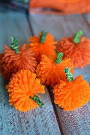 easy to make fall decorations easy diy yarn pumpkins no sew pumpkin garland garlands yarns