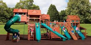 top 3 benefits of building a backyard play set for your kids