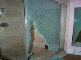 Shattering Shower Doors 2 Investigators Glass Shower Doors Can Shatter Without Warning