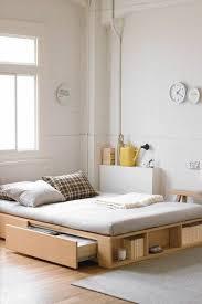 d馗oration chambre adulte pas cher où trouver votre lit avec tiroir de rangement tapis beige lit