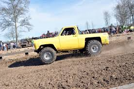 K5 Chevy Blazer Mud Truck - bangshift com more dirt slinging mud sloggin u0027 action from dirty