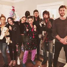 liam hemsworth with miley cyrus s family for 2016