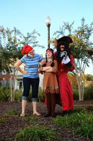 Disney Family Halloween Costume Ideas by Best 25 Peter Pan Costumes Ideas Only On Pinterest Peter Pan