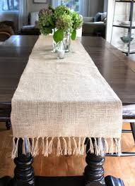 12 tutorials for burlap table runners the bright ideas