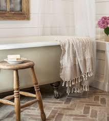 Which Is Better Cast Iron Or Acrylic Bathtubs Acrylic Vs Cast Iron Clawfoot Bathtubs