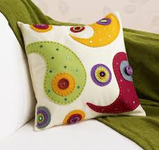 how to make a felt applique cushion hobbycraft